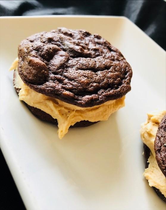 Chocolate PB Whoopie Pie